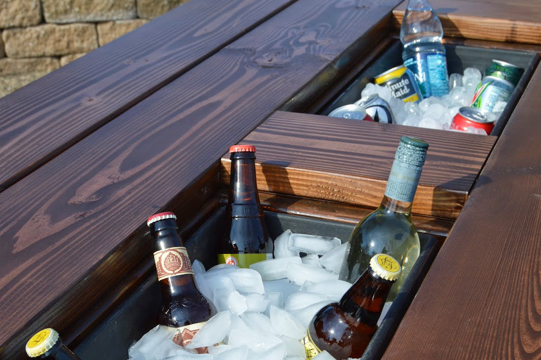 Picnic Table With Icebox Inserts Propernerd